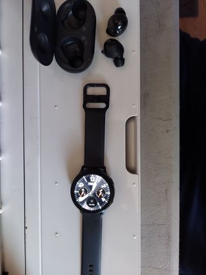 Samsung galaxy active watch 2 and Samsung ear buds for Sale in Downey, CA