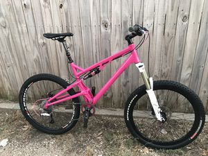 Enduro full suspension mountain bike Large for Sale in Haltom City, TX