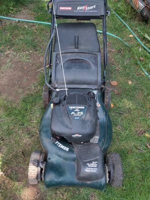 Craftsman 6.25 horsepower 21 in self-propelled key start lawn mower for Sale in Tacoma, WA