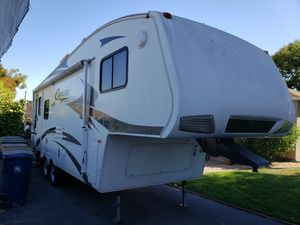 2008 Keystone Cougar 27ft 5th wheel camper for Sale in Martinez, CA