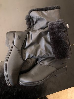Women's snow boots totes 8 for Sale in Federal Way, WA