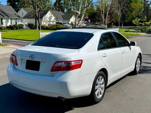 Clean 2009 Toyota Camry XLE Excellent condition mechanically for Sale in Las Vegas, NV