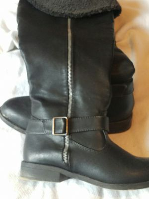 Leather knee high boots with faux fur inside for Sale in Duck, WV