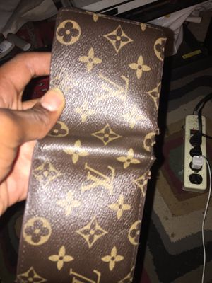 LV WALLET FOR SALE BEST OFFER NO LOW BALL WANT GONE TODAY ! for Sale in Cumberland, IN