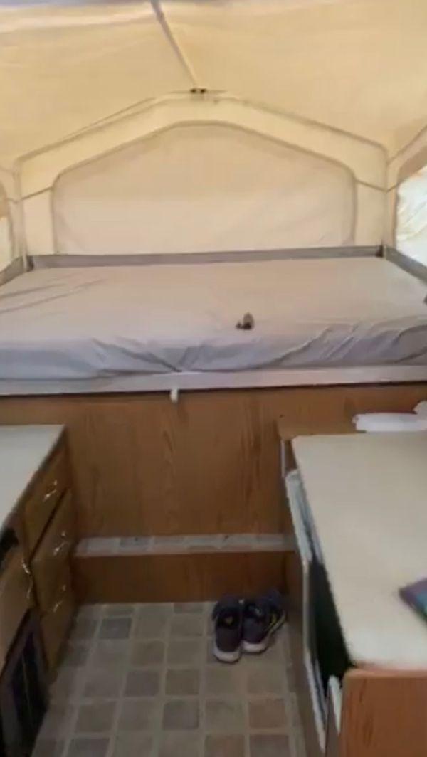 2005 flagstaff camper