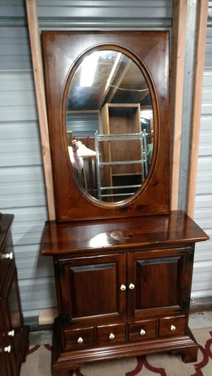 Rare- Ethan Allen.Entry hall table with mirror. for Sale in Lakeland, FL