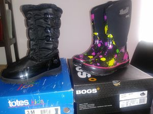 Kid big girl winter and rain boots. Size 3 for Sale in Detroit, MI