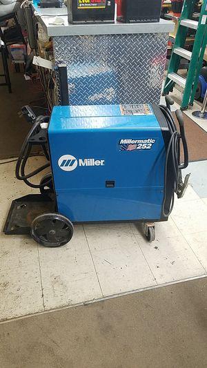 Miller Millermatic 252 MIG Welder for Sale in Phoenix, AZ
