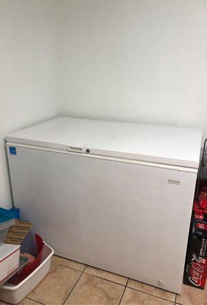 Frigidaire freezer for Sale in Pembroke Pines, FL
