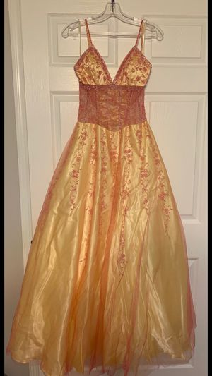 Formal Dress (Size 4) for Sale in MONTGOMRY VLG, MD