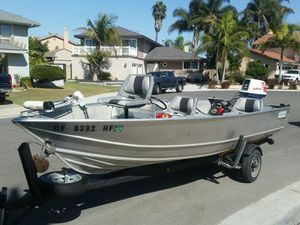 Gregor 18' Side-Console w/ 25hp Suzuki Outboard for Sale in Huntington Beach, CA