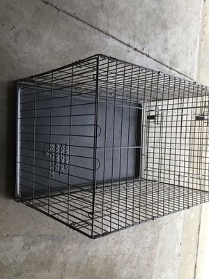 Medium / large dog crate for Sale in Deltona, FL