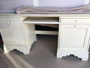 Girls Betsy Cameron Lexington Furniture for Sale in Mundelein, IL