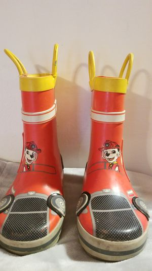 Paw patrol rain boots size 10 for Sale in Barnhart, MO