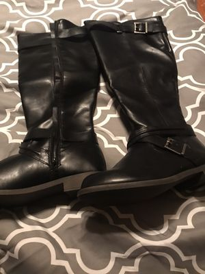 Size 10 women's boots from Just Fab. Snow & Calloway area for Sale in Bakersfield, CA