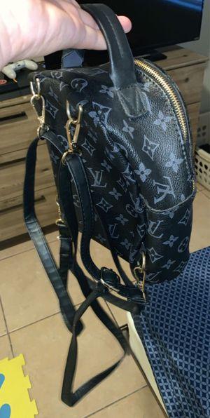 Louie v bag for Sale in Las Vegas, NV