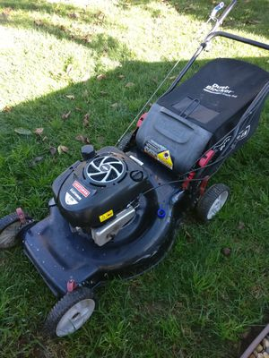 Craftsman self propelled lawn mower for Sale in Sacramento, CA