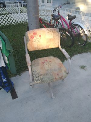 Chair with wheels for Sale in Lake Worth, FL