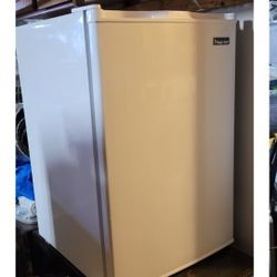 Small Freezer for Sale in Vancouver,  WA