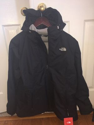 North Face Coat & North Face Zip Up Hoodie Size XL. TWO NORTH FACE Coats For $125 BOTH ARE BRAND NWT's Attached! ASKING PRICE INCLUDES BOTH COATS! for Sale in Sudley Springs, VA