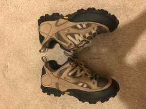 Patagonia vibrant goretex women's size 5 for Sale in San Marcos, CA
