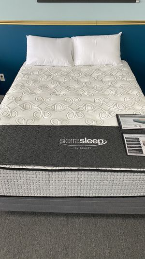 Queen Mattress 15'' Thick infused with Gel and Memory Foam US for Sale in Irving, TX