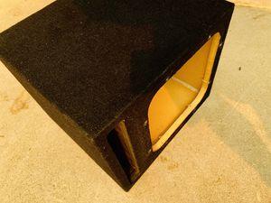 $60 / 12 inch Kicker L7 Ported Sub Box for Sale in Sanger, CA