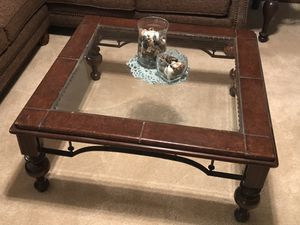 Coffee table and end table for Sale in Wichita, KS