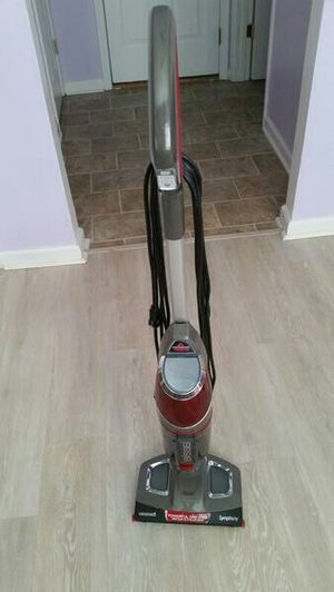 Bisell Vacume + Steam Mop for Sale in Morrisville, NC