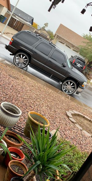 2005 Tahoe on 28s for Sale in Phoenix, AZ