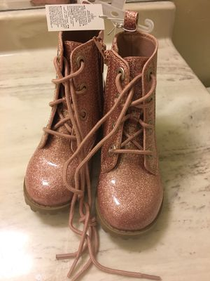 Baby girl boots size 8c for Sale in Long Beach, CA
