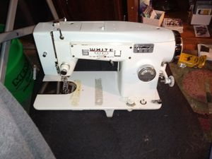 Pristine condition the coveted Model #565 Antique sewing machine! Very RARE! for Sale in Saint Paul, MN