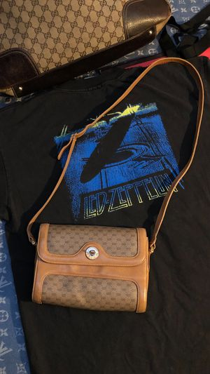 Authentic Gucci shoulder bag for Sale in New York, NY