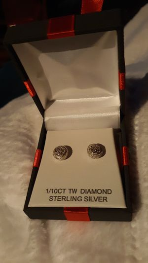 Beautiful 1/10 of a ct real diamonds and silver for Sale in Pittsburg, KS