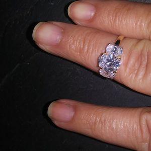 14K Yellow Gold Diamonique Ring Size 8 for Sale in Hemet, CA