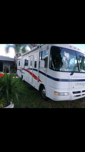2002 Daybreaker motorhome, I bought it from Dan marino for Sale in Miami, FL