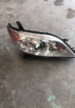 Toyota Sienna 2015-2018 headlight left izquierda OEM for Sale in Chevy Chase, MD
