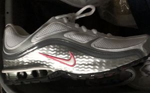 Nike Reax Run 5 9.5 for Sale in Bexley, OH