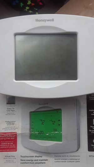 Honeywell Honeywell Wi-Fi thermostat model rth8580wf for Sale in View Park-Windsor Hills, CA
