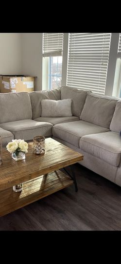 Sectional Couch - Great Condition for Sale in Baltimore,  MD