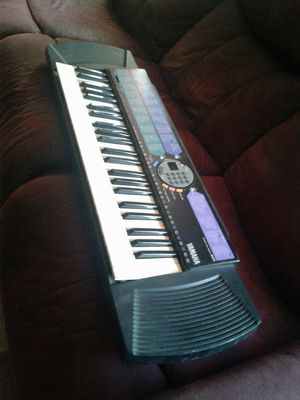 YAMAHA Keyboard. Good condition. PSR-77 for Sale in Rialto, CA