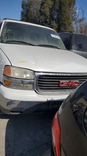 PARTING OUT! 2002 GMC Yukon for Sale in Modesto, CA