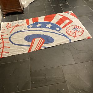 Large 3x5 New York Yankee Flag for Sale in Suffolk, VA
