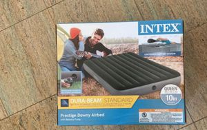 Air mattress queen with air pump for Sale in Akron, OH