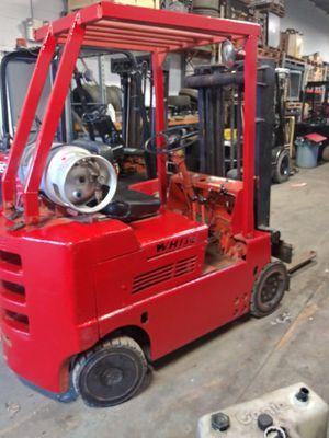 Hilo forklift lift truck for Sale in Roseville, MI