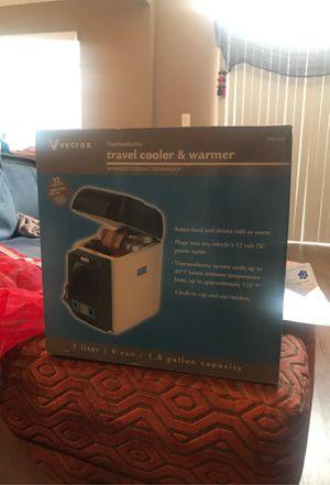 Vector travel cooler & warmer for Sale in Norwalk, CA