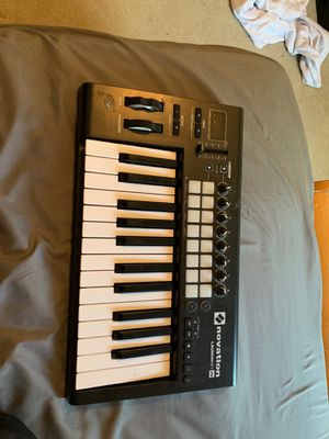 Notation Launchkey 25 - USB keyboard for Sale in Lawrenceville, GA