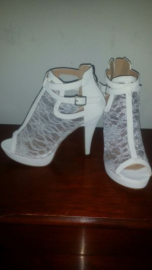 New high heels size 6.5 for Sale in Houston, TX