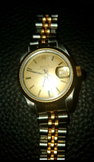 Authentic 2 tone Womens Rolex for Sale in WLKS BARR Township, PA
