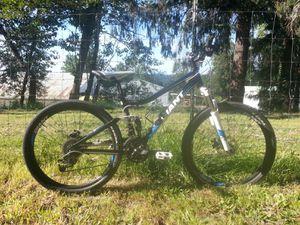 mountain bike Giant yukon fx for Sale in Oregon City, OR